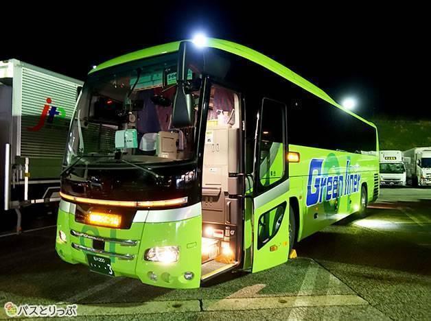 グリーンライナー号(グリーンライナー号で金沢から東京へ 無料Wi-Fiと3列独立シートで快適な夜行バスの旅)