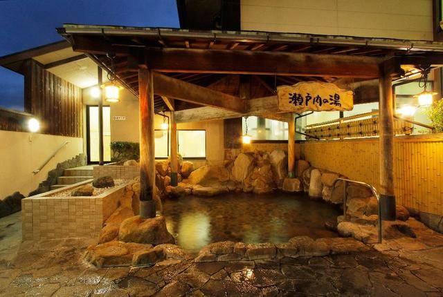 ゆったり露天風呂「瀬戸内の湯」 画像提供:やしま第一健康ランド