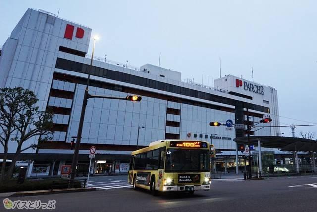 早朝、JR静岡駅前に到着