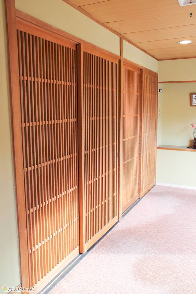 Each room has a traditional lattice door.(Shima Hot Spring vol.4 with a Featured Hotel List)