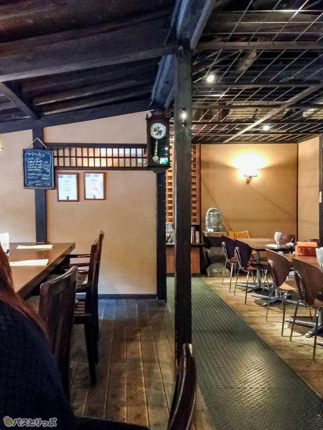 昭和初期の民家を改装したカフェ(四万温泉その5ご当地グルメ&おみやげ)