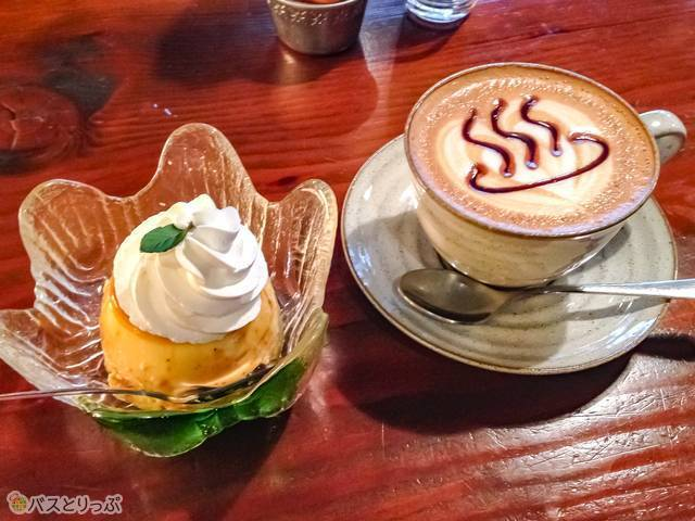 Left: Homemade pudding - 290JPY  Right: Onsen cappuccino - 525JPY