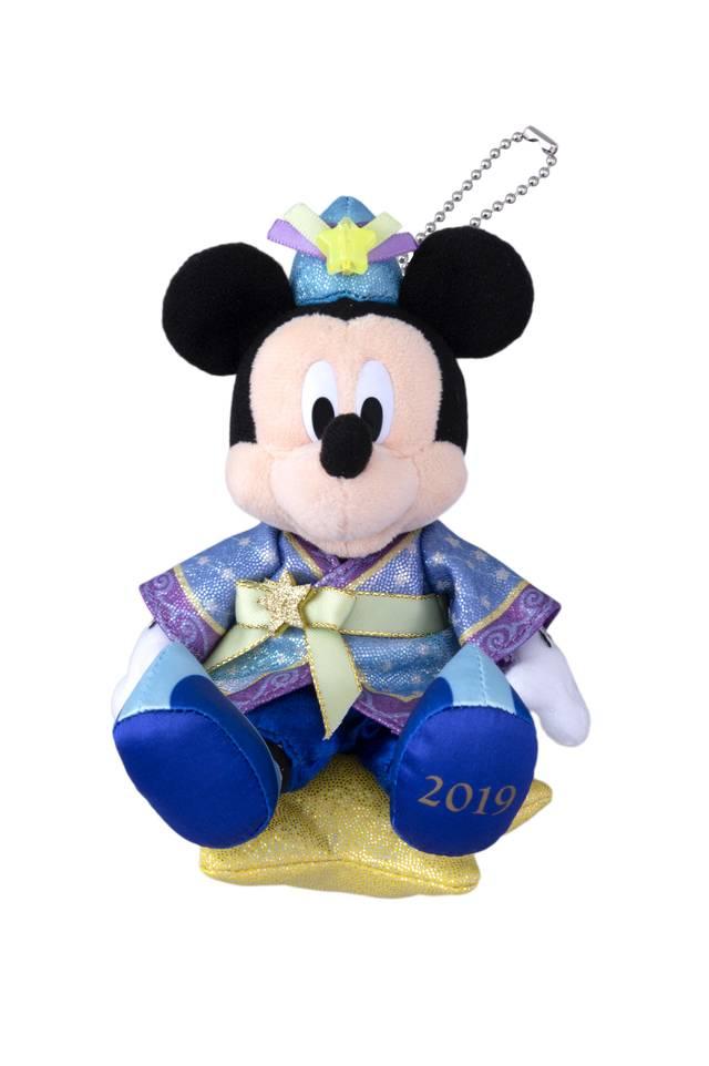ぬいぐるみバッジ 各1,800円(c)Disney