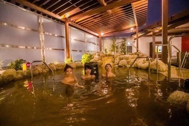 露天風呂「京美人の湯」でお肌ツルツルに! 画像提供:SPA&HOTEL水春 松井山手