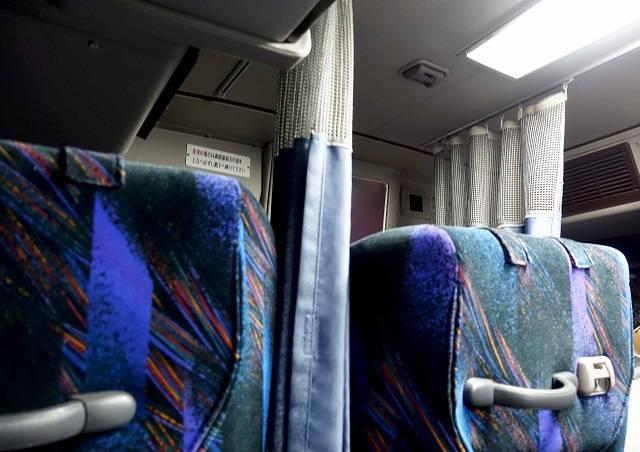 カーテン付きでプライベート空間が確保できます(プレミアムドリーム11号で東京から奈良へ 新幹線より便利な夜行バスの旅)