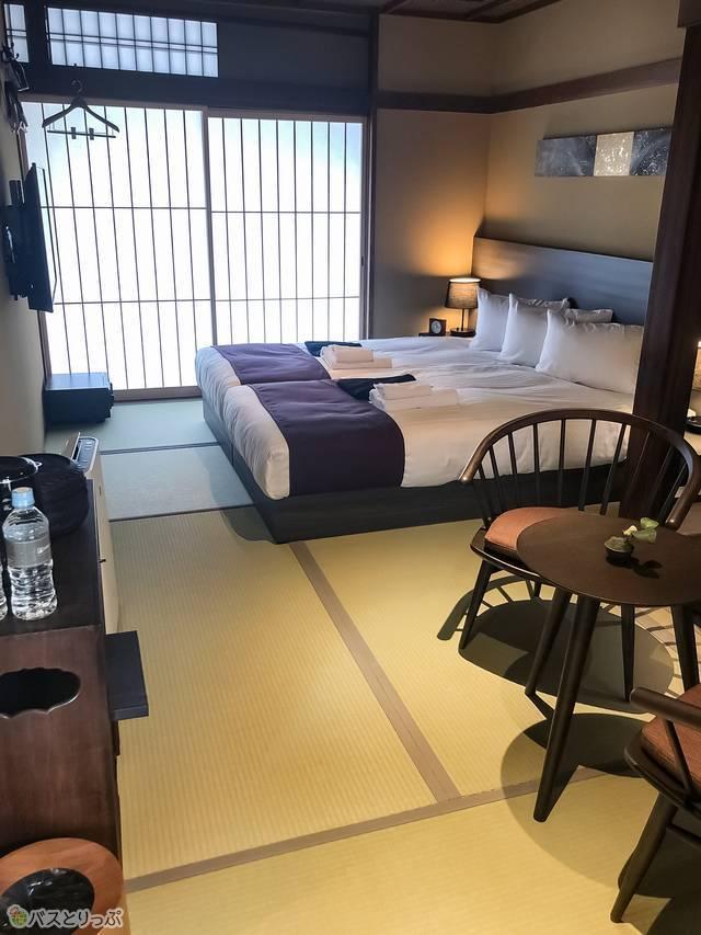 京町家ルーム「椿」の部屋内