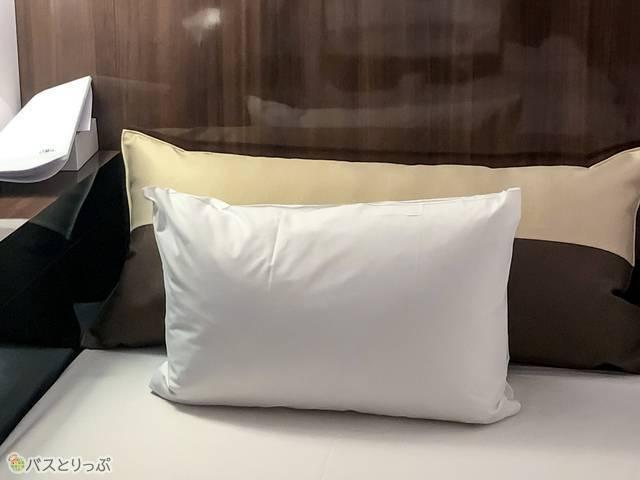 クッションと枕