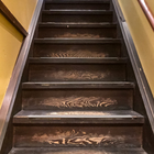京町家スイートルーム「菊」に続く階段
