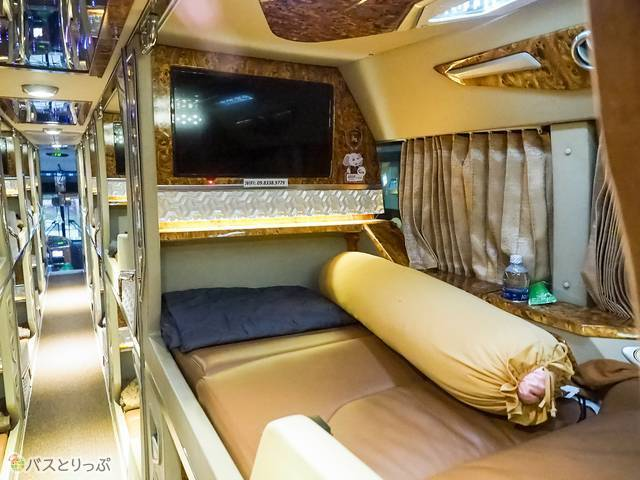 テレビや抱き枕まである豪華なシート