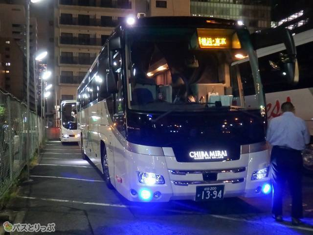 千葉みらい観光バス「KBライナー」の車両外観
