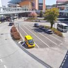 1階の駅前にバスターミナル