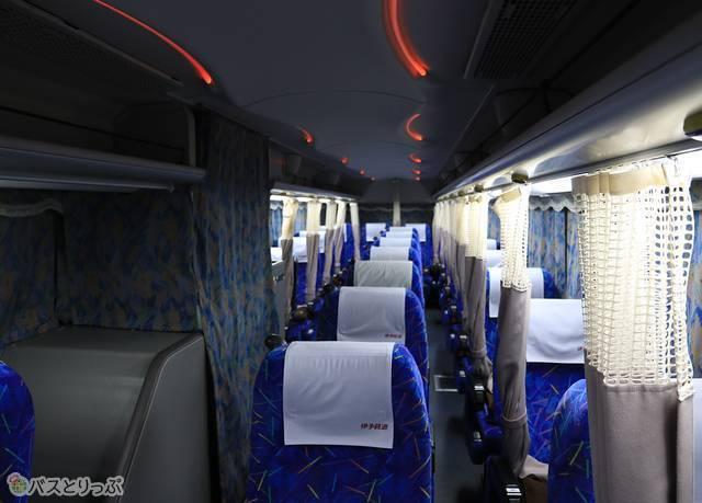 伊予鉄バス「オレンジライナー」名古屋線 5409_03 車内.jpg