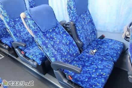 長野・山梨発着の高速バスを運行! トラビスジャパンの4列シート「花バス」の設備・サービス・運行路線を紹介