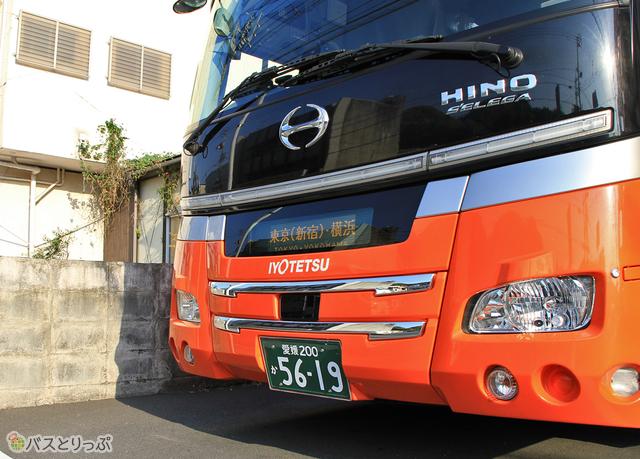 伊予鉄バス「オレンジライナー」東京線 5619_22 八幡浜にて_04.jpg