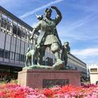 桃太郎の像