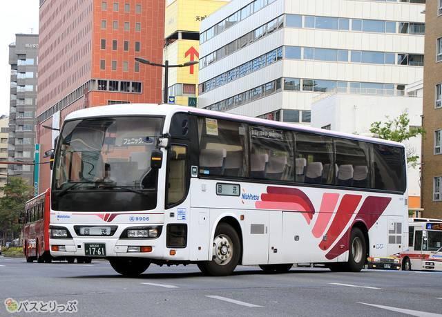 福岡~宮崎線「フェニックス号」の車両外観