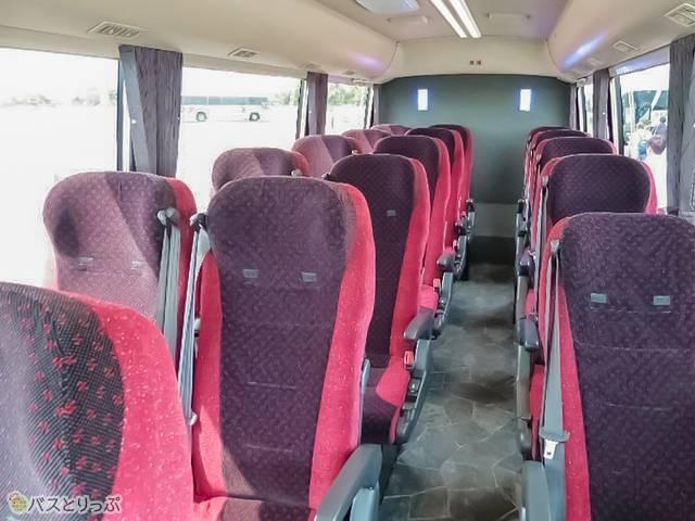 天龍工業製の特別仕様シートやLED式ラインライトで高級感!