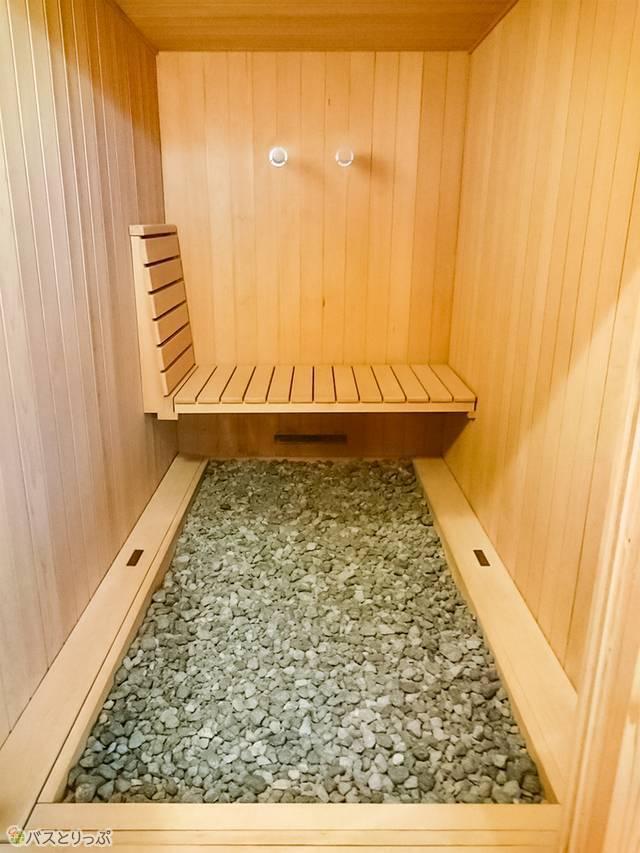 岩盤浴とミストサウナが一体となった個室