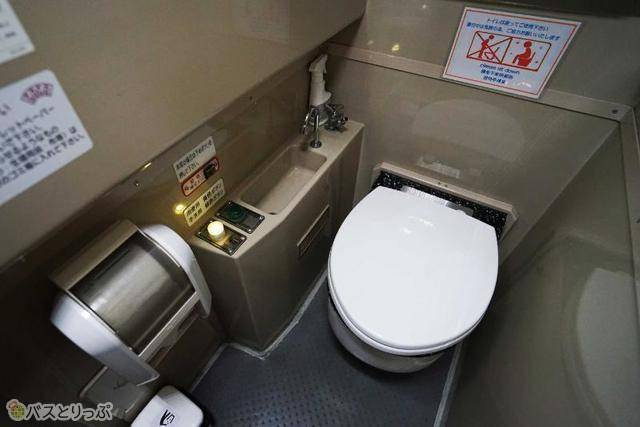 3列シート車両には全車両トイレあり