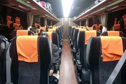 しずてつジャストラインの高速バス・3列独立シートと4列ゆったりシートを比較紹介! 充電、無料Wi-Fi、トイレは全車両に装備
