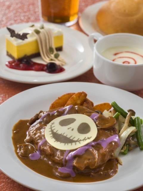 スペシャルセット 1,940円 販売店舗「プラザパビリオン・レストラン」(c)Disney