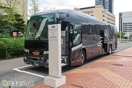 泉観光バスの高速バス「NETWORK」の3列独立シートで東京~新潟間を移動!  車内設備や充実のアメニティを紹介