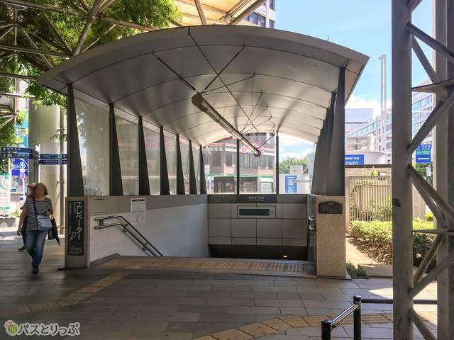 東口の交番前にも地下道の入り口があるので、ここからもアクセスできます
