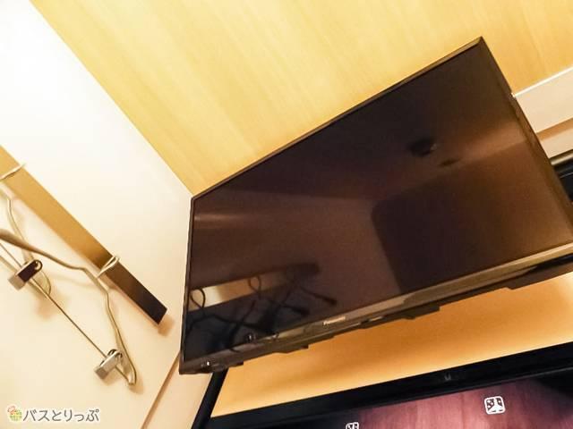 テレビはプレミアムエコノミークラスの24インチから32インチに大幅アップ!
