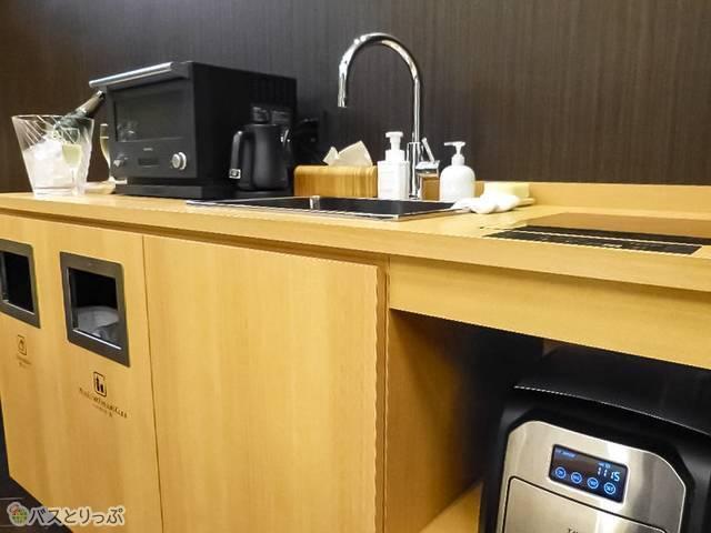 キッチンスペース。宿泊者は自由に利用できる