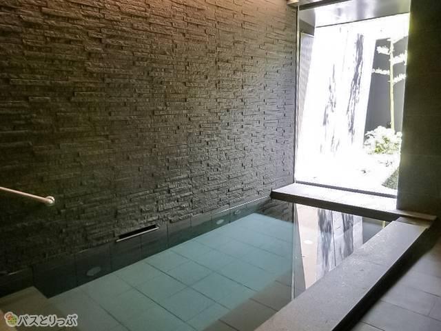 人工温泉「光明石温泉」は柔らかな湯質の美肌の湯