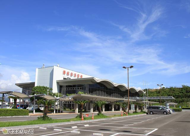 「ホワイトビーチシャトル」の始発でもある南紀白浜空港