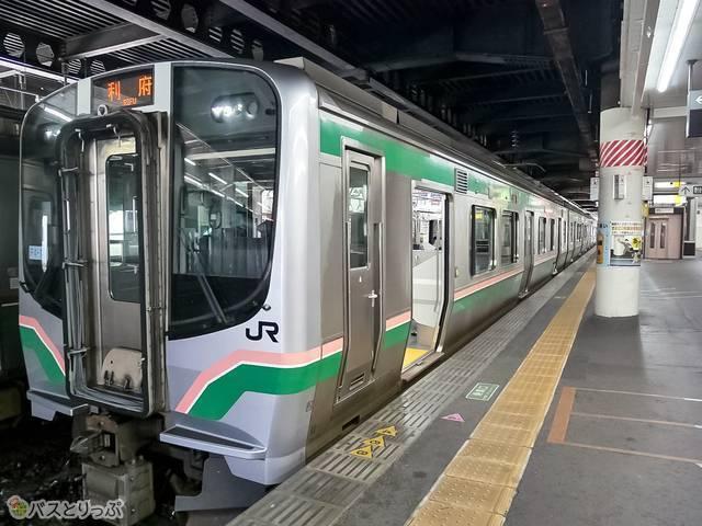 利府駅行きの電車