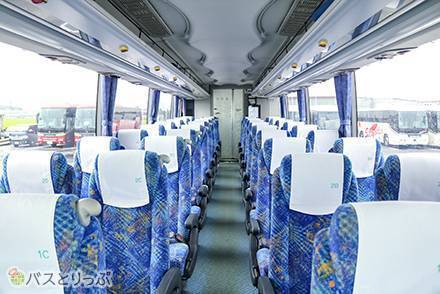 下津井電鉄の高速バス車両の設備やシートを解説! 4列シートと3列シートの違いは?