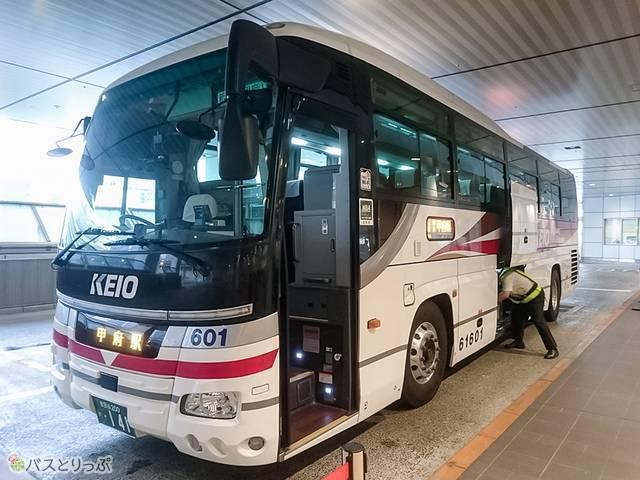 京王バスの新宿~甲府線