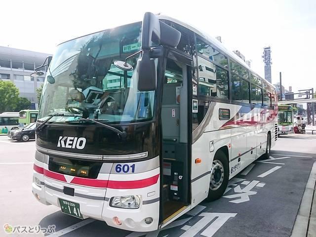京王バス(4列標準シート)