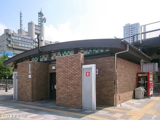 甲府駅北口トイレ