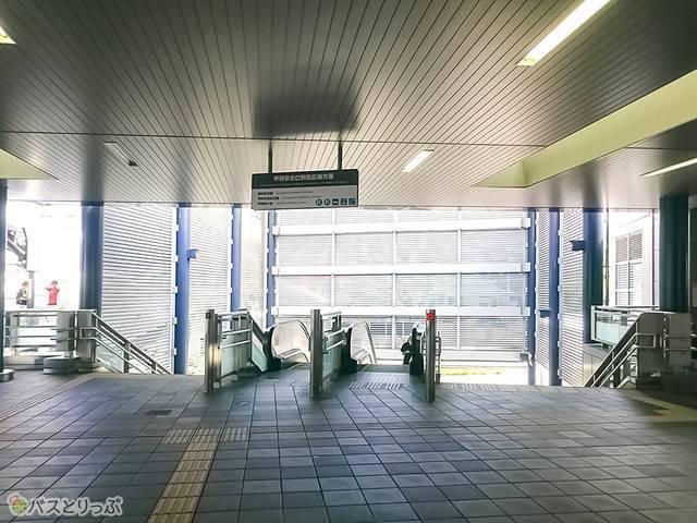 甲府駅北口エスカレーター