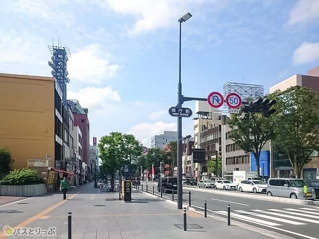 甲府駅南口県庁前の信号
