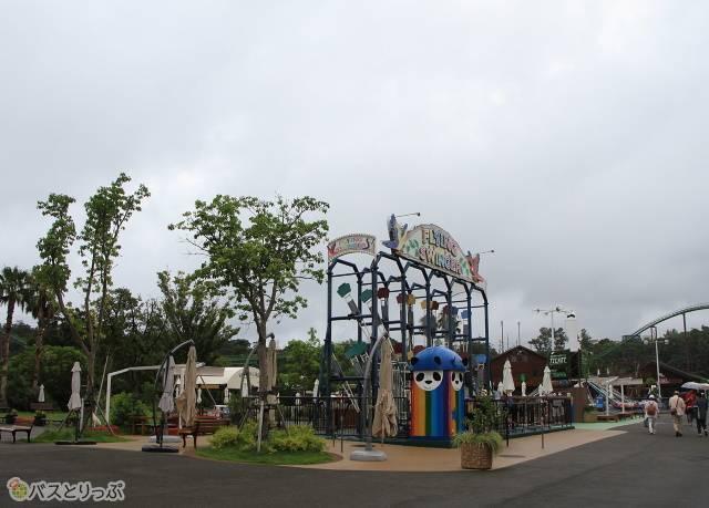 園内の遊園地