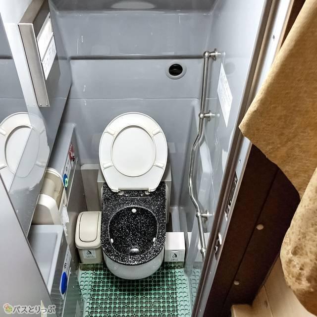 バス内にあるトイレ