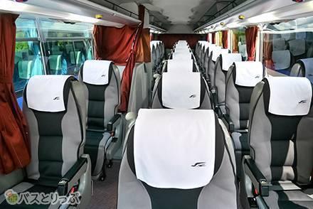 ゆりかごみたいな新型クレイドルシートあり! 「中国ジェイアールバス」高速バス車両のシート・設備まとめ