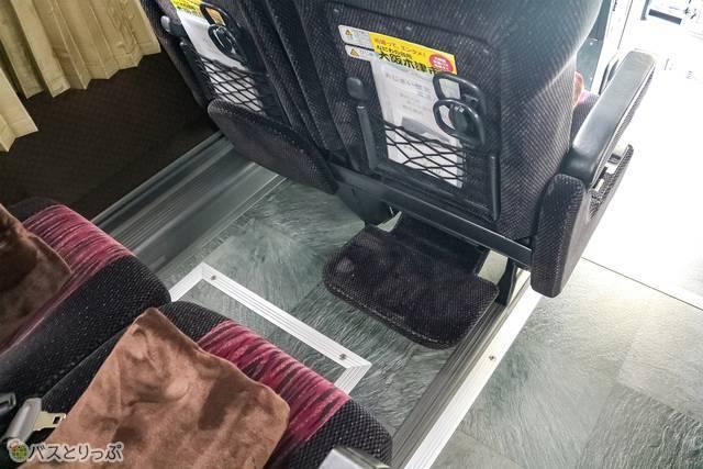 こちらのシートにはフットレストが付いています
