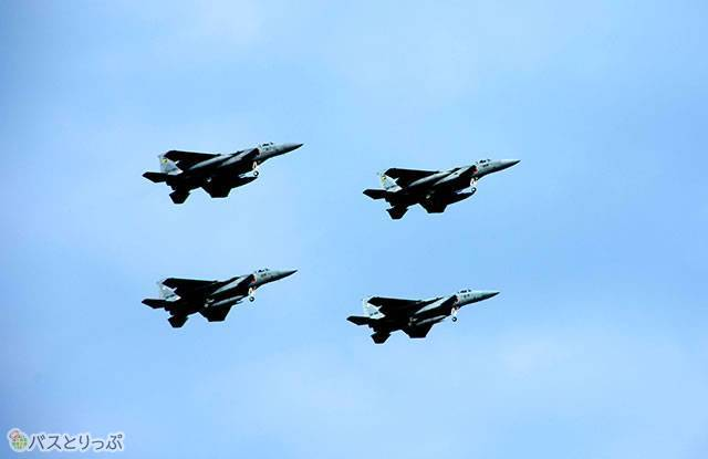 F15Jイーグル、生のエンジン音は大迫力!