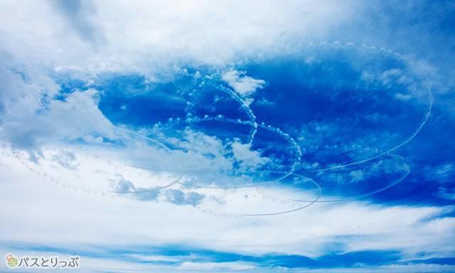 大空に大輪を咲かせます