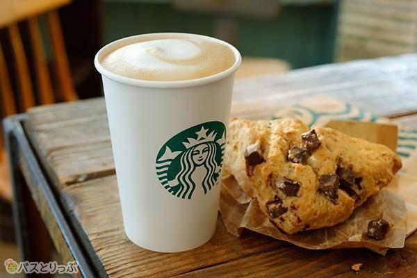 スターバックスコーヒーはB1と2Fに。7:00から営業(画像:LINKS UMEDAオフィシャル)