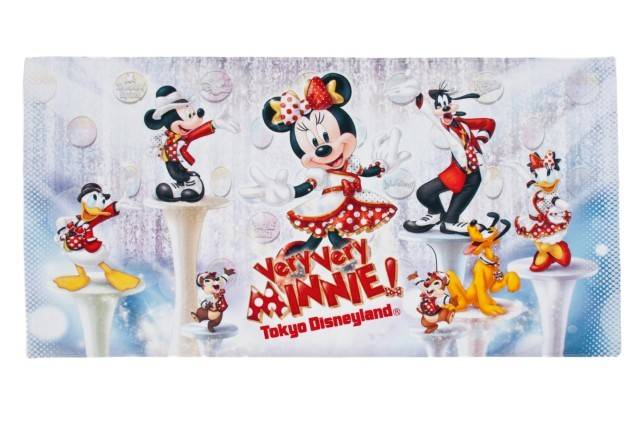 ワイドバスタオル 3,400円(c)Disney