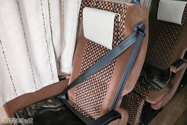 シートベルトは斜めがけ方式(※一部のシートのみ)