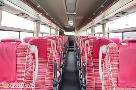真っ赤な外観がトレードマーク! 岐阜バスの高速バス車両を4列シートと3列独立シートで徹底比較