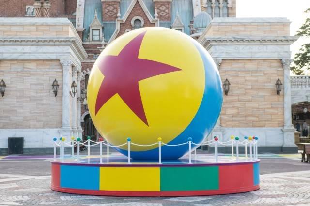 ピクサー・ボール(ウォーターフロントパーク)(c)Disney/Pixar