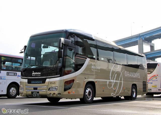 気品のあるデザインが特長の「GRANDAYS」専用車外観